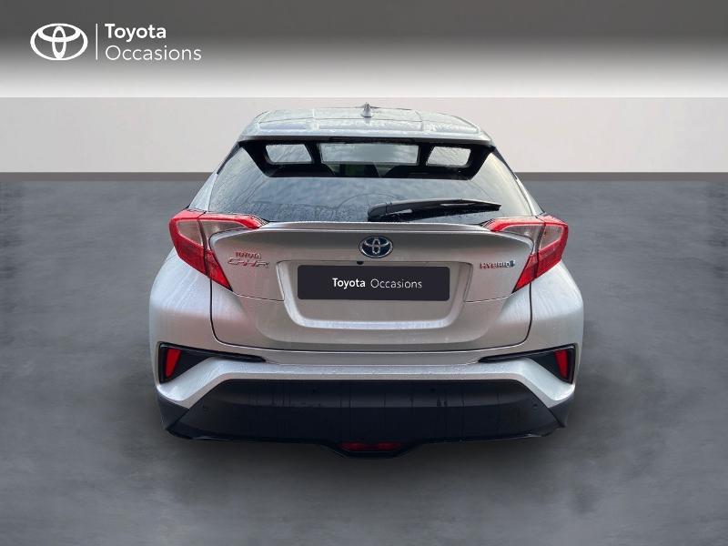 Photo 4 de l'offre de TOYOTA C-HR 122h Edition 2WD E-CVT RC18 à 21890€ chez Rizzon Auto - Toyota St Brieuc