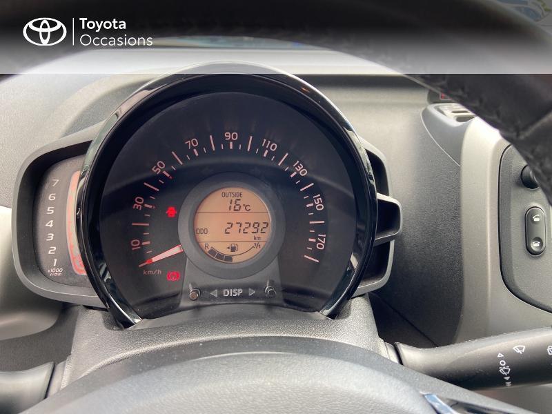 Photo 15 de l'offre de TOYOTA Aygo 1.0 VVT-i 72ch x-play 5p à 8990€ chez Rizzon Auto - Toyota St Brieuc
