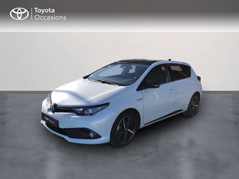 Photo 1 de l'offre de TOYOTA Auris HSD 136h Collection RC18 à 15890€ chez Rizzon Auto - Toyota St Brieuc