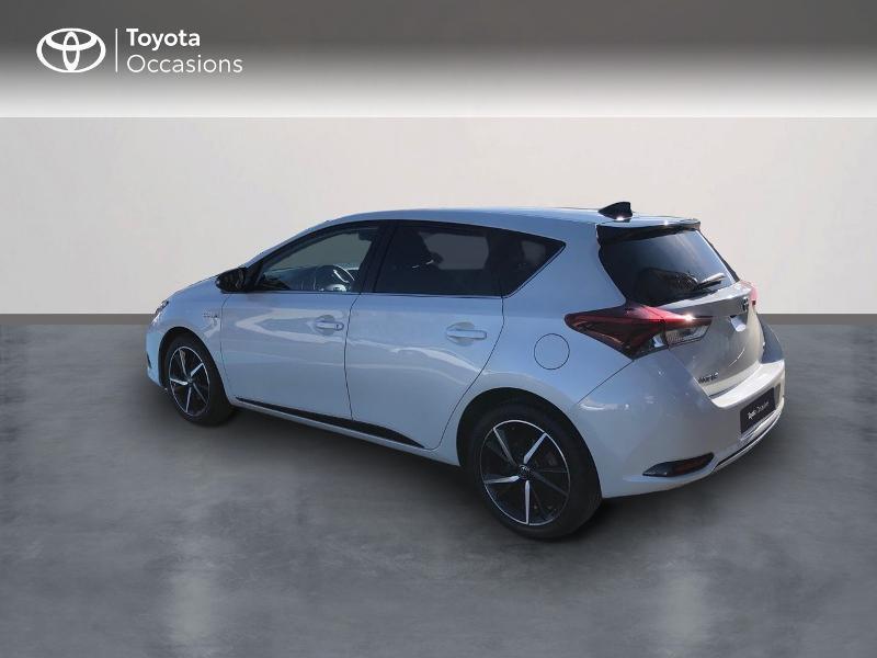 Photo 2 de l'offre de TOYOTA Auris HSD 136h Collection RC18 à 15890€ chez Rizzon Auto - Toyota St Brieuc