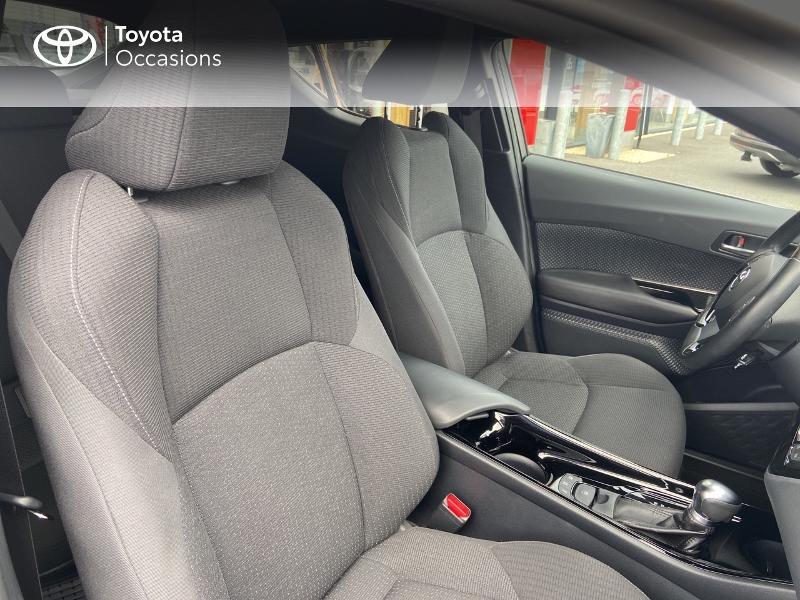 Photo 6 de l'offre de TOYOTA C-HR 122h Edition 2WD E-CVT RC18 à 20490€ chez Rizzon Auto - Toyota St Brieuc