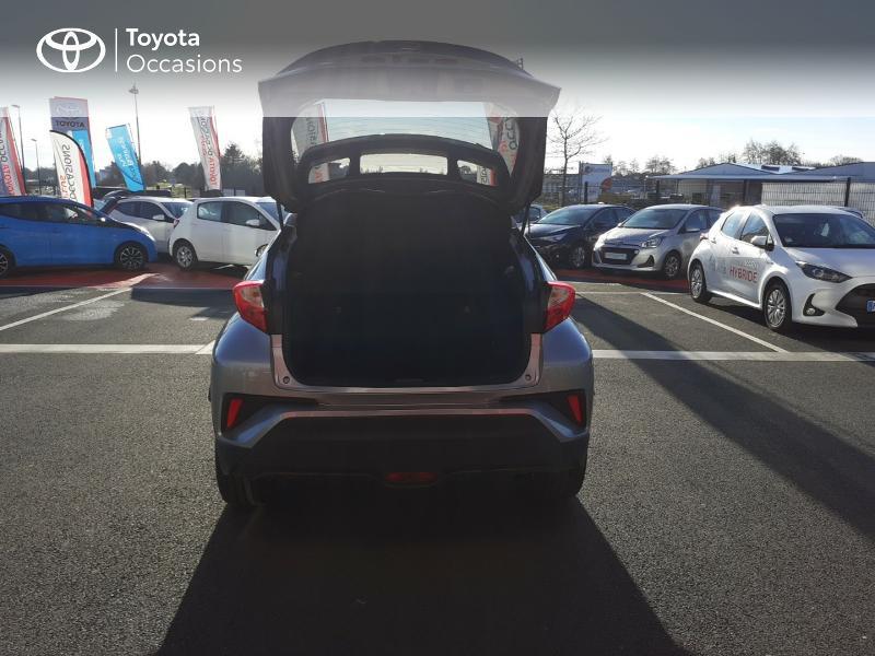 Photo 10 de l'offre de TOYOTA C-HR 122h Edition 2WD E-CVT RC18 à 20990€ chez Rizzon Auto - Toyota St Brieuc