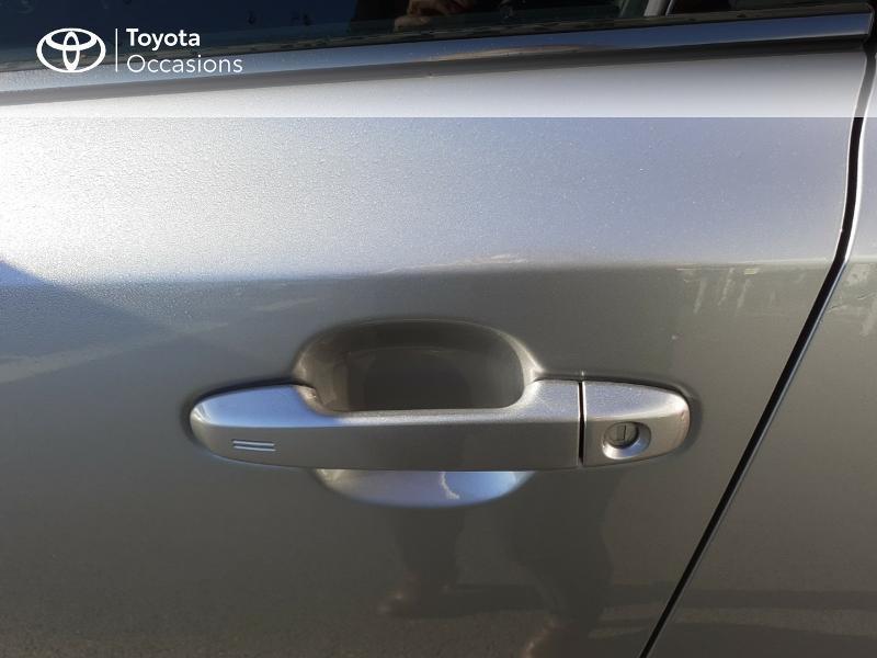 Photo 24 de l'offre de TOYOTA C-HR 122h Edition 2WD E-CVT RC18 à 20990€ chez Rizzon Auto - Toyota St Brieuc