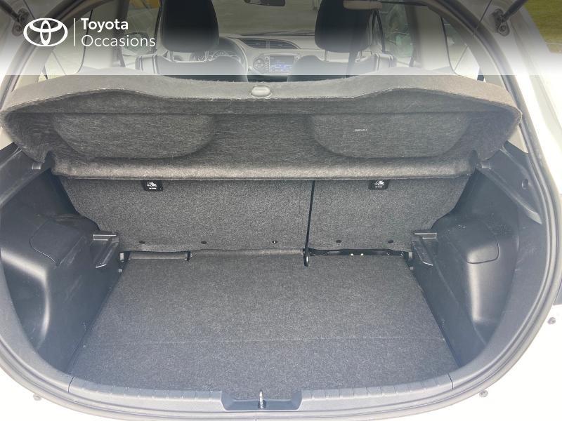 Photo 10 de l'offre de TOYOTA Yaris 70 VVT-i France 3p RC18 à 9790€ chez Rizzon Auto - Toyota St Brieuc