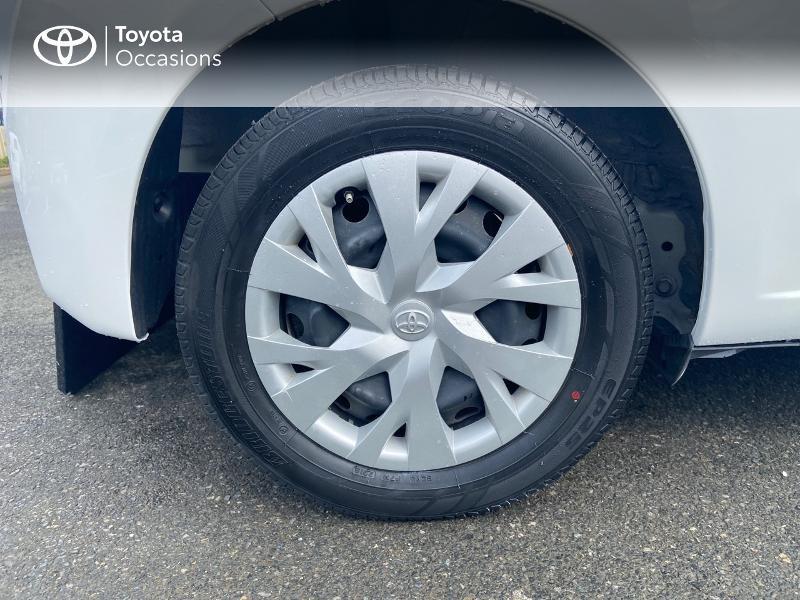 Photo 16 de l'offre de TOYOTA Yaris 70 VVT-i France 3p RC18 à 9790€ chez Rizzon Auto - Toyota St Brieuc