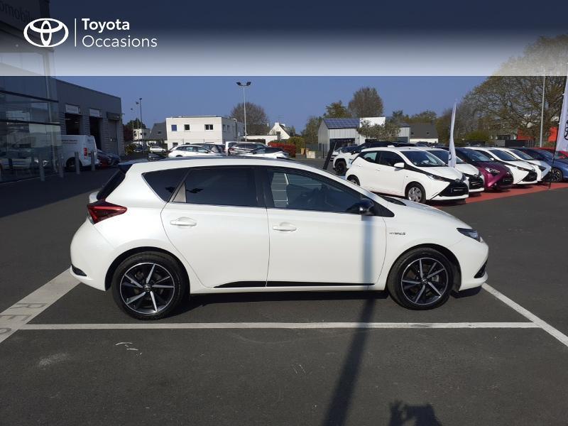 Photo 17 de l'offre de TOYOTA Auris HSD 136h Collection à 16990€ chez Rizzon Auto - Toyota St Brieuc
