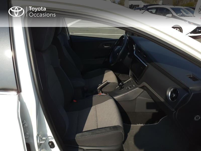 Photo 6 de l'offre de TOYOTA Auris HSD 136h Collection à 16990€ chez Rizzon Auto - Toyota St Brieuc