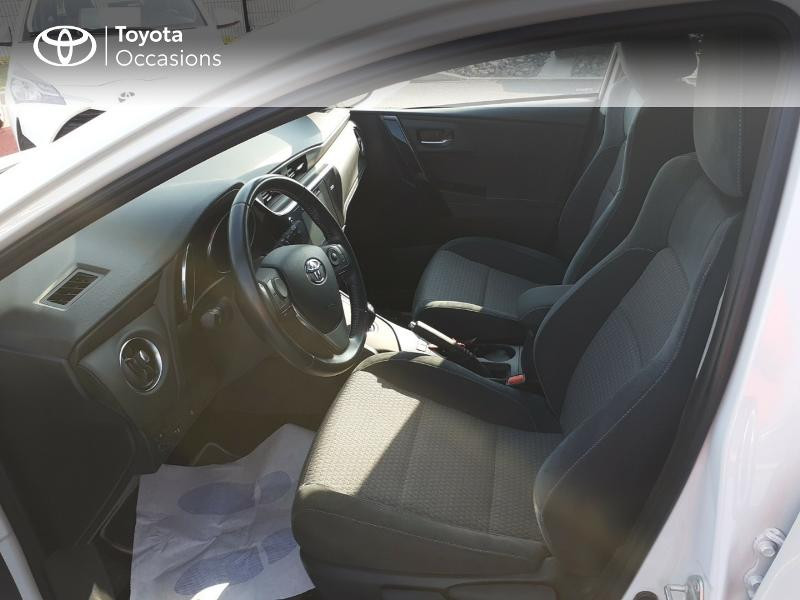 Photo 11 de l'offre de TOYOTA Auris HSD 136h Collection à 16990€ chez Rizzon Auto - Toyota St Brieuc