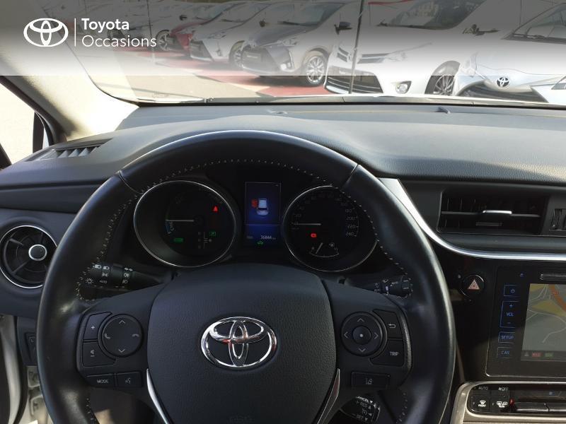 Photo 14 de l'offre de TOYOTA Auris HSD 136h Collection à 16990€ chez Rizzon Auto - Toyota St Brieuc
