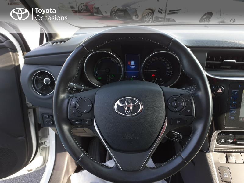 Photo 13 de l'offre de TOYOTA Auris HSD 136h Collection à 16990€ chez Rizzon Auto - Toyota St Brieuc