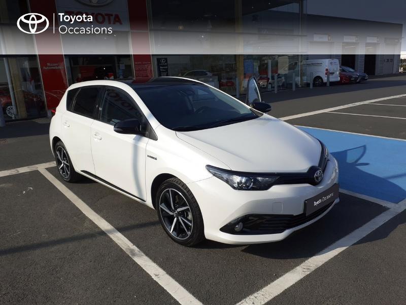 Photo 19 de l'offre de TOYOTA Auris HSD 136h Collection à 16990€ chez Rizzon Auto - Toyota St Brieuc