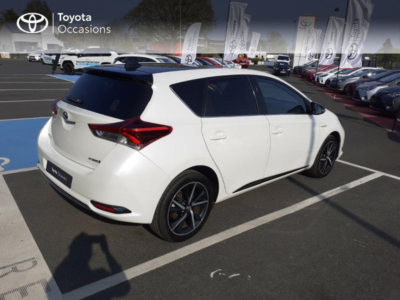 Photo 18 de l'offre de TOYOTA Auris HSD 136h Collection à 16990€ chez Rizzon Auto - Toyota St Brieuc