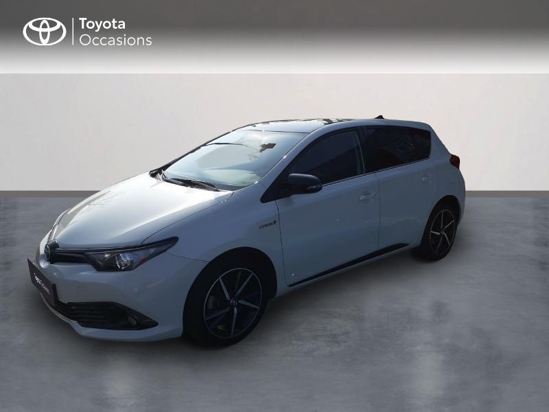 Photo 1 de l'offre de TOYOTA Auris HSD 136h Collection à 16990€ chez Rizzon Auto - Toyota St Brieuc