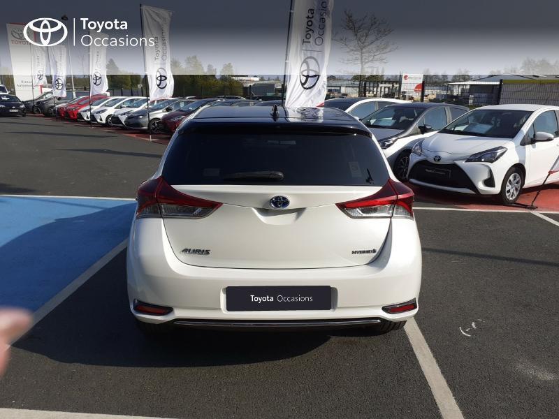 Photo 28 de l'offre de TOYOTA Auris HSD 136h Collection à 16990€ chez Rizzon Auto - Toyota St Brieuc