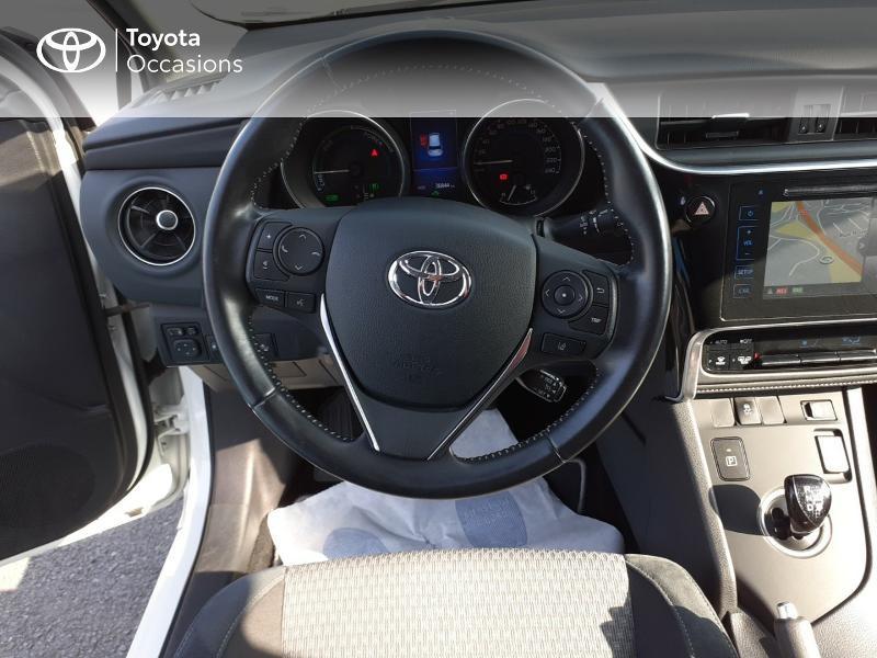 Photo 9 de l'offre de TOYOTA Auris HSD 136h Collection à 16990€ chez Rizzon Auto - Toyota St Brieuc