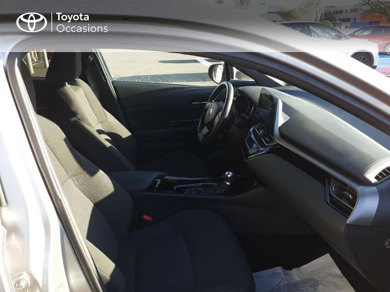 Photo 6 de l'offre de TOYOTA C-HR 122h Edition 2WD E-CVT RC18 à 20990€ chez Rizzon Auto - Toyota St Brieuc
