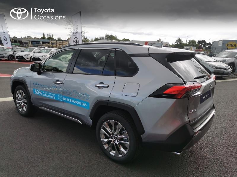 Photo 18 de l'offre de TOYOTA RAV4 Hybride 222ch Lounge AWD-i MY21 à 48990€ chez Rizzon Auto - Toyota St Brieuc