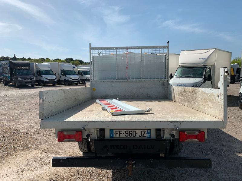 Photo 7 de l'offre de IVECO 35c14 DOUBLE CABINE 6 PLACES BENNE+COFFRE CLIM AUTO à 32400€ chez ABVI Montpellier