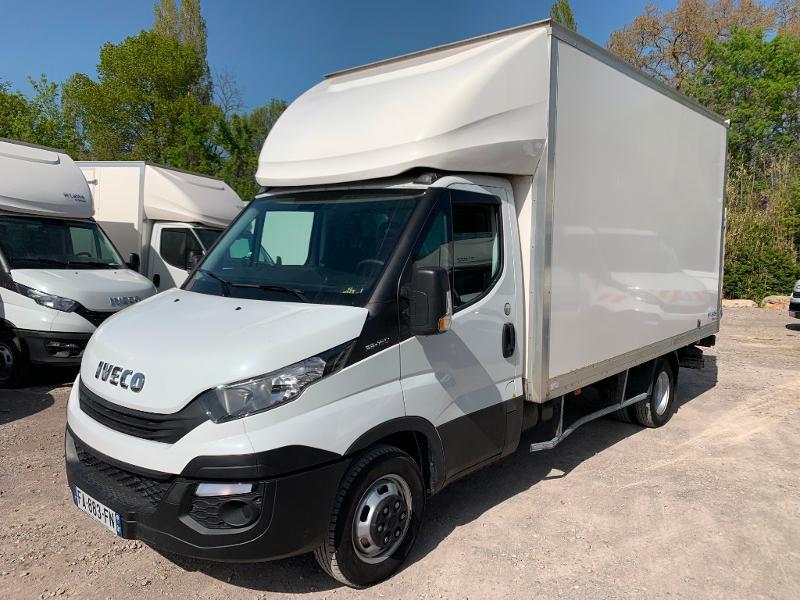 Photo 3 de l'offre de IVECO 35c16 CAISSE HAYON CLIM AUTO 2 PORTES AR CAPUCINE à 29400€ chez ABVI Montpellier