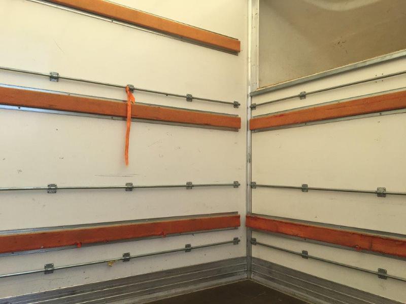 Photo 9 de l'offre de IVECO 35c16 CAISSE 20m3 CAPUCINE HAYON PORTE LATERALE CLIMATISATIONS à 32400€ chez ABVI Montpellier