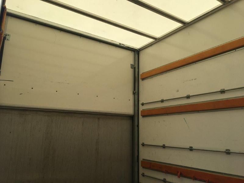 Photo 8 de l'offre de IVECO 35c16 CAISSE 20m3 CAPUCINE HAYON PORTE LATERALE CLIMATISATIONS à 32400€ chez ABVI Montpellier