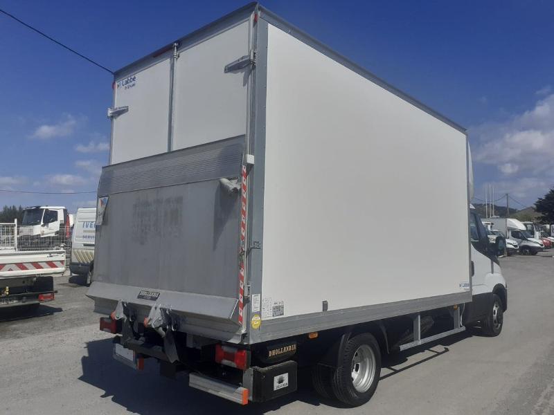 Photo 3 de l'offre de IVECO 35c16 CAISSE HAYON DHOLANDIA DEUX PORTE AR CLIM AUTO à 31800€ chez ABVI Montpellier