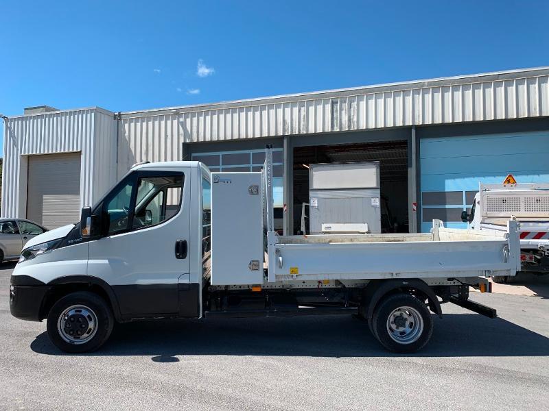 Photo 4 de l'offre de IVECO 35c14 BENNE 2.90m COFFRE CLIM AUTO ATTELAGE à 31800€ chez ABVI Montpellier