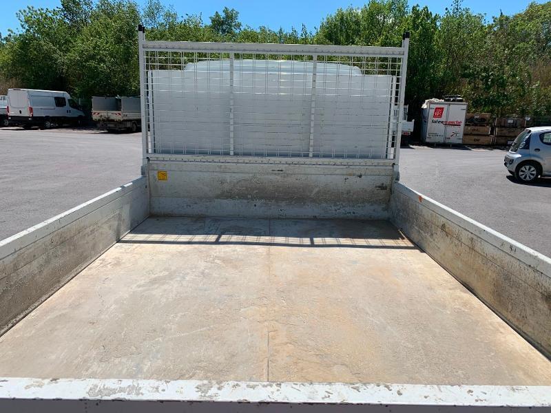 Photo 9 de l'offre de IVECO 35c14 BENNE 2.90m COFFRE CLIM AUTO ATTELAGE à 31800€ chez ABVI Montpellier