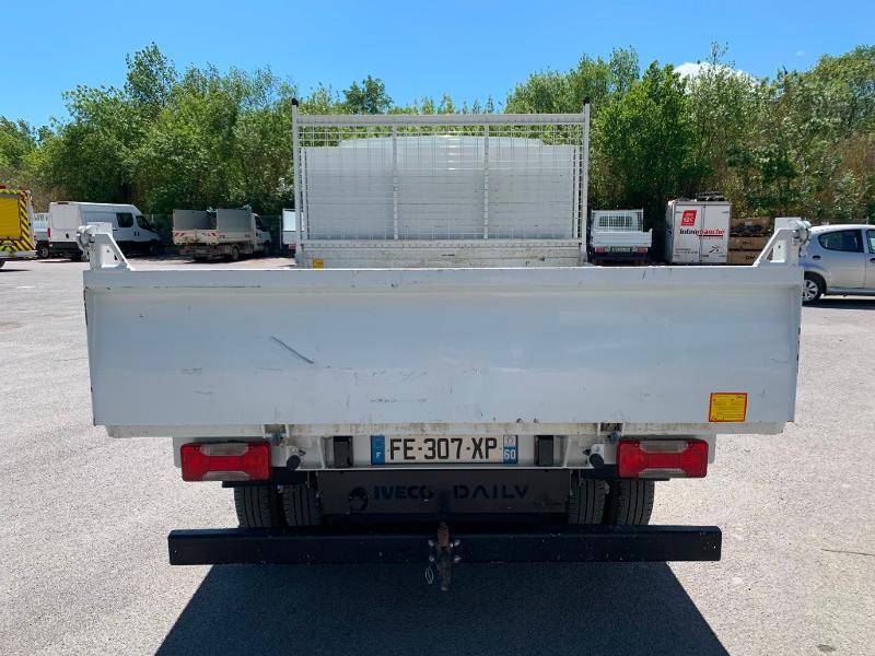 Photo 6 de l'offre de IVECO 35c14 BENNE 2.90m COFFRE CLIM AUTO ATTELAGE à 31800€ chez ABVI Montpellier