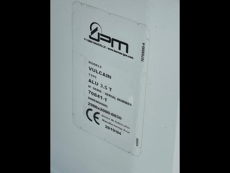 Photo 10 de l'offre de IVECO 35c14d BENNE 6 PLACES COFFRE CLIM AUTO à 32400€ chez ABVI Montpellier