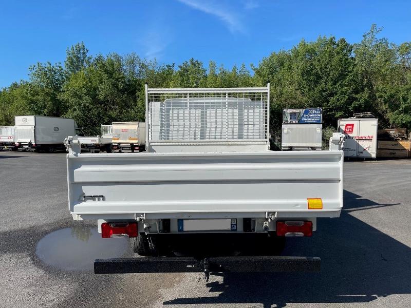 Photo 6 de l'offre de IVECO 35c14d BENNE 6 PLACES COFFRE CLIM AUTO à 32400€ chez ABVI Montpellier