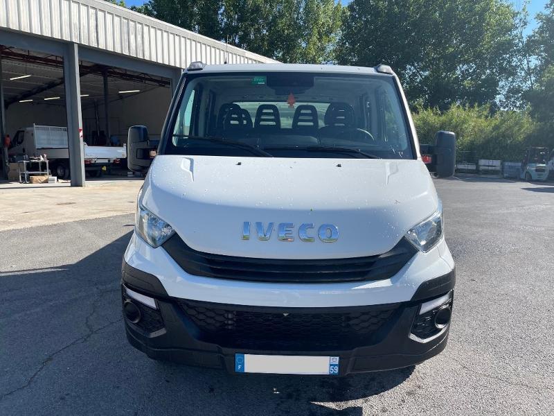 Photo 2 de l'offre de IVECO 35c14d BENNE 6 PLACES COFFRE CLIM AUTO à 32400€ chez ABVI Montpellier