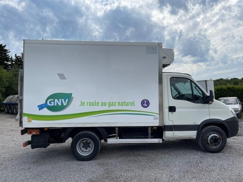 Photo 2 de l'offre de IVECO 65c14 GAZ (CNG) CAISSE FRIGO HAYON 750KG à 18000€ chez ABVI Montpellier