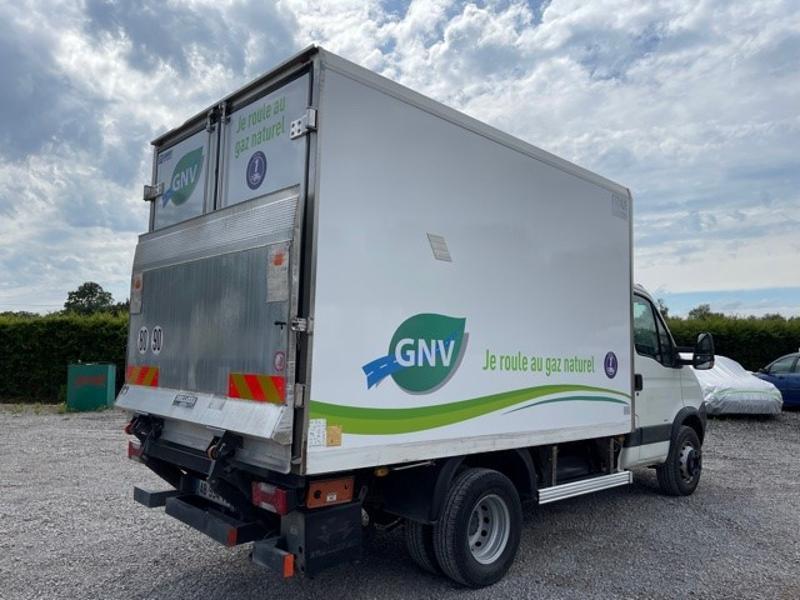 Photo 3 de l'offre de IVECO 65c14 GAZ (CNG) CAISSE FRIGO HAYON 750KG à 18000€ chez ABVI Montpellier