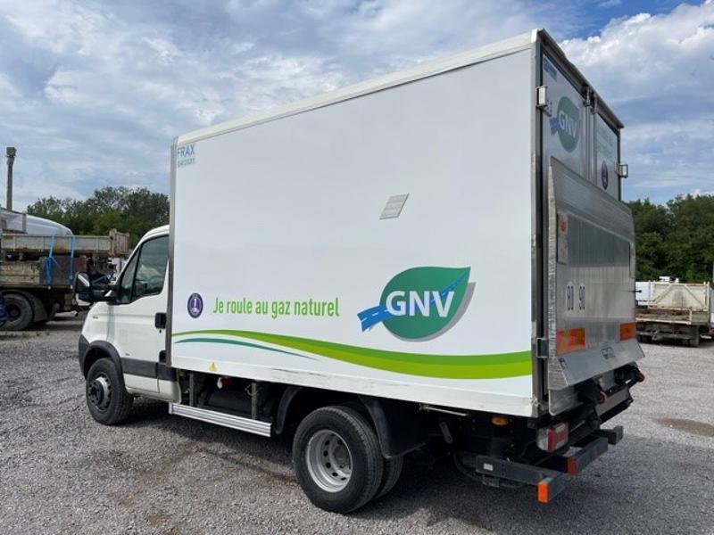 Photo 5 de l'offre de IVECO 65c14 GAZ (CNG) CAISSE FRIGO HAYON 750KG à 18000€ chez ABVI Montpellier