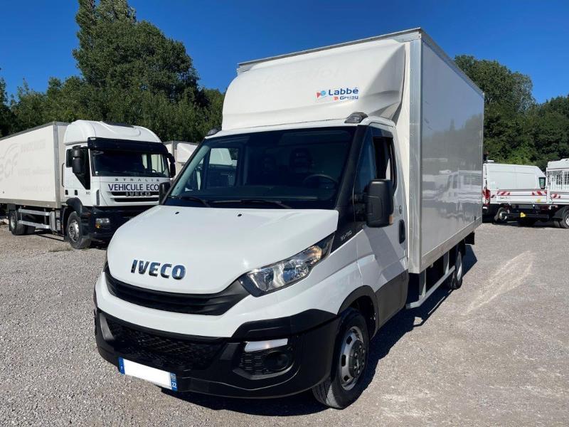 Photo 9 de l'offre de IVECO 35c16 CAISSE 20m3 DEFLECTEUR CLIM AUTO à 30000€ chez ABVI Montpellier