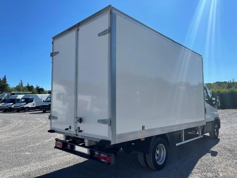 Photo 3 de l'offre de IVECO 35c16 CAISSE 20m3 DEFLECTEUR CLIM AUTO à 30000€ chez ABVI Montpellier