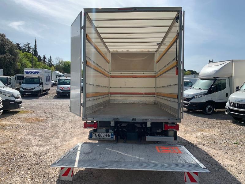 Photo 10 de l'offre de IVECO 35c16 CAISSE HAYON CLIM AUTO 2 PORTES AR CAPUCINE à 29400€ chez ABVI Montpellier
