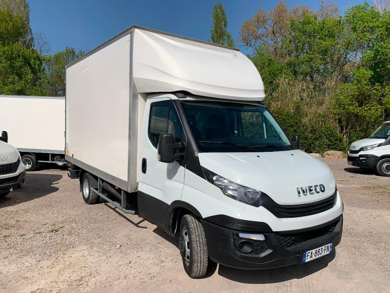 Iveco 35c16 CAISSE HAYON CLIM AUTO 2 PORTES AR CAPUCINE Diesel Blanc Occasion à vendre
