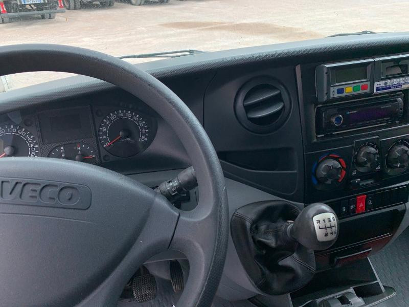 Photo 5 de l'offre de IVECO 65c14 GAZ FRIGO + HAYON à 15000€ chez ABVI Montpellier