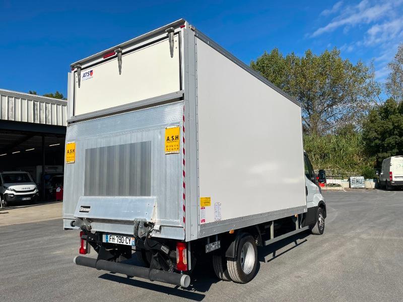 Photo 7 de l'offre de IVECO 35c16 CAISSE HAYON CLIM AUTO DEFLECTEUR AUVENT à 33000€ chez ABVI Montpellier