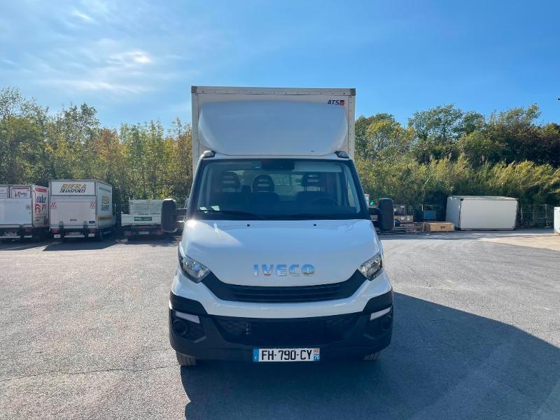 Photo 2 de l'offre de IVECO 35c16 CAISSE HAYON CLIM AUTO DEFLECTEUR AUVENT à 33000€ chez ABVI Montpellier