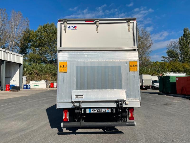 Photo 6 de l'offre de IVECO 35c16 CAISSE HAYON CLIM AUTO DEFLECTEUR AUVENT à 33000€ chez ABVI Montpellier