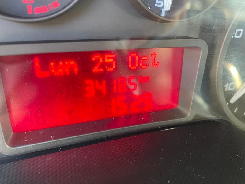 Iveco 35c14 6 PLACES BENNE COFFRE CLIM AUTO COMMANDE AU VOLANT Diesel Blanc Occasion à vendre