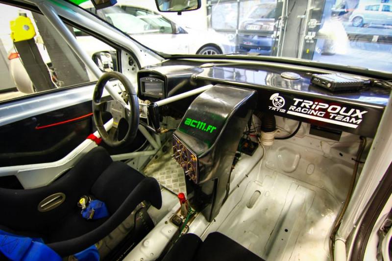 Photo 10 de l'offre de RENAULT CLIO III CUP X85 à 23990€ chez AC111 Automobiles