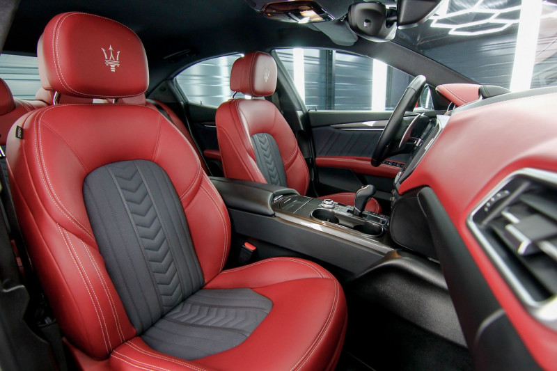 Photo 7 de l'offre de MASERATI GHIBLI 3.0 V6 275CH DIESEL GRANDLUSSO à 50990€ chez AC111 Automobiles