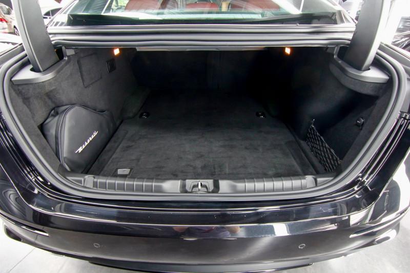 Photo 5 de l'offre de MASERATI GHIBLI 3.0 V6 275CH DIESEL GRANDLUSSO à 50990€ chez AC111 Automobiles