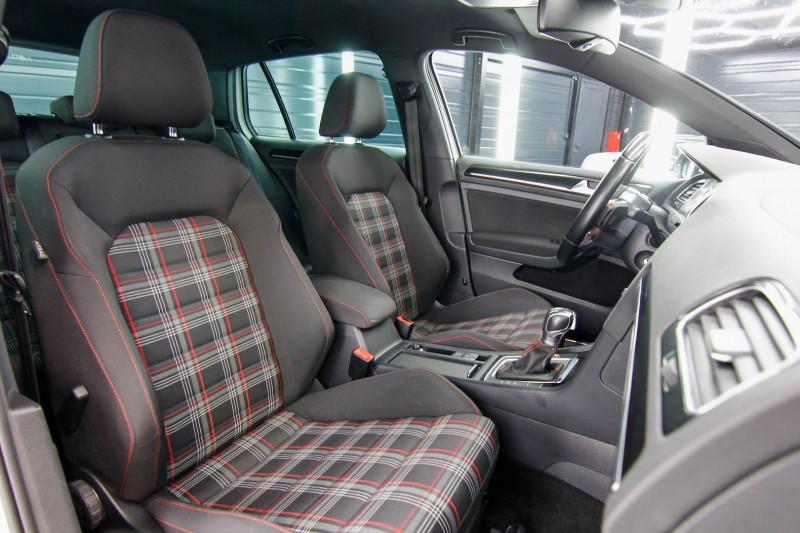 Photo 7 de l'offre de VOLKSWAGEN GOLF 2.0 TSI 230CH BLUEMOTION TECHNOLOGY GTI PERFORMANCE DSG6 5P à 21490€ chez AC111 Automobiles