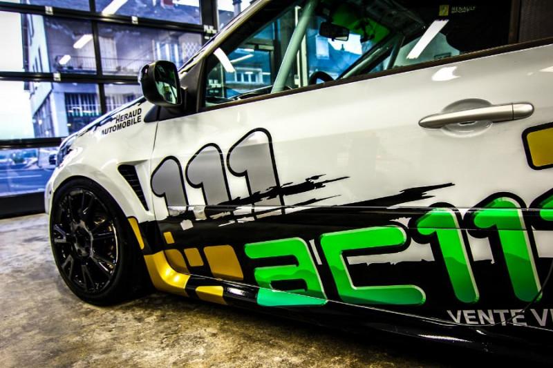 Photo 12 de l'offre de RENAULT CLIO III CUP X85 à 23990€ chez AC111 Automobiles