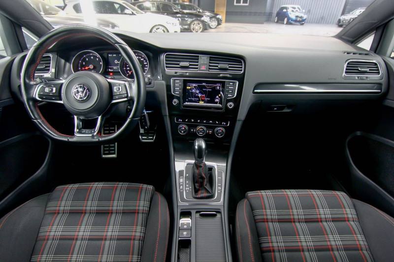 Photo 9 de l'offre de VOLKSWAGEN GOLF 2.0 TSI 230CH BLUEMOTION TECHNOLOGY GTI PERFORMANCE DSG6 5P à 21490€ chez AC111 Automobiles